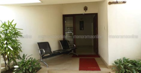 mallika-house-entrance