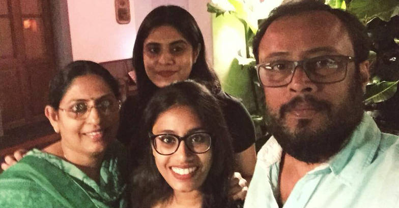 lal-jose-wife-daughters