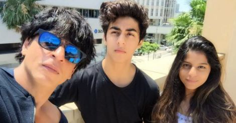 Sharukh Khan with his children