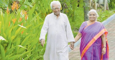 A-K-Prathapan-and-wife