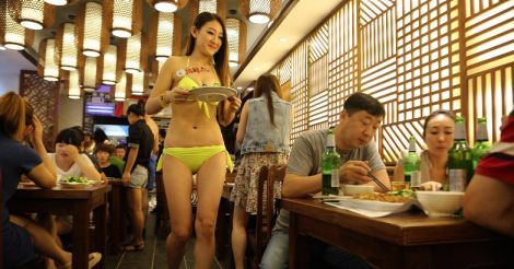 Bikini girls supplying food