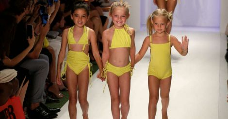 children-in-bikni
