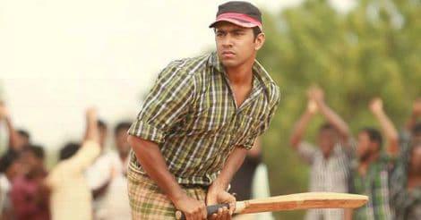 nivin-pauly-batting