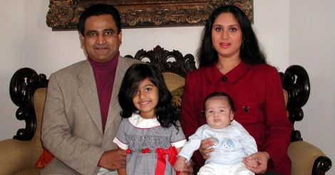 meenakshi-sheshadri-family