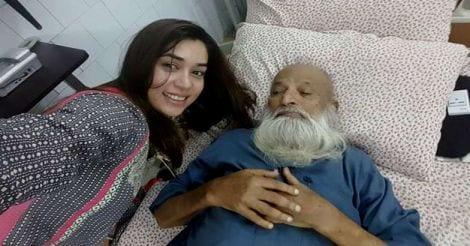 Komal Rizvi's selfie with Edhi