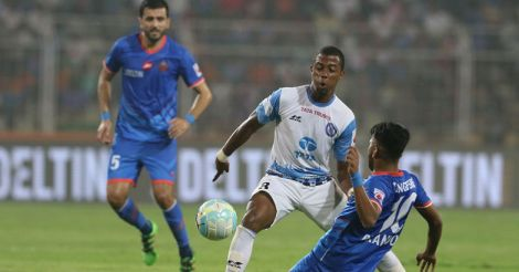 Trindade of Jamshedpur FC and Brandon Fernandes of FC Goa in action during match 44 of the Hero Indian Super League between FC Goa and Jamshedpur FC held at the Jawaharlal Nehru Stadium, Goa