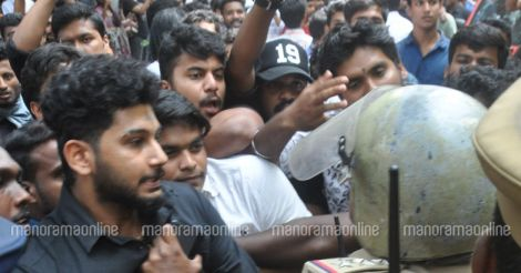 Law-College-Students-Police-Clash