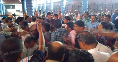 kp-ramanunni-kadalayi-temple-protest