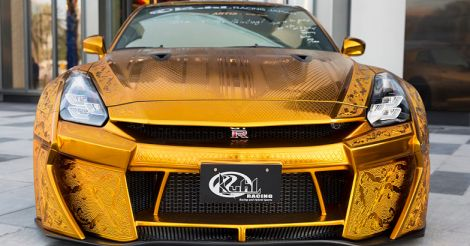 uae-gold-car