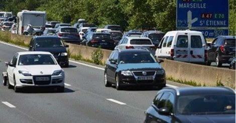 driver-less-car-in-paris
