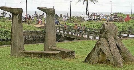 statue-Payyambalam