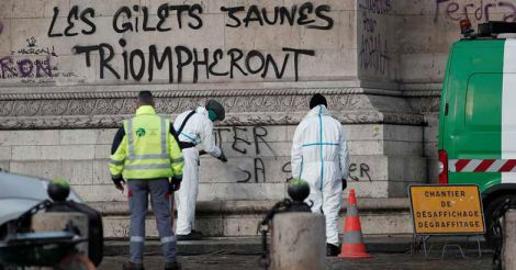 FRANCE-PROTESTS-CLEANUP