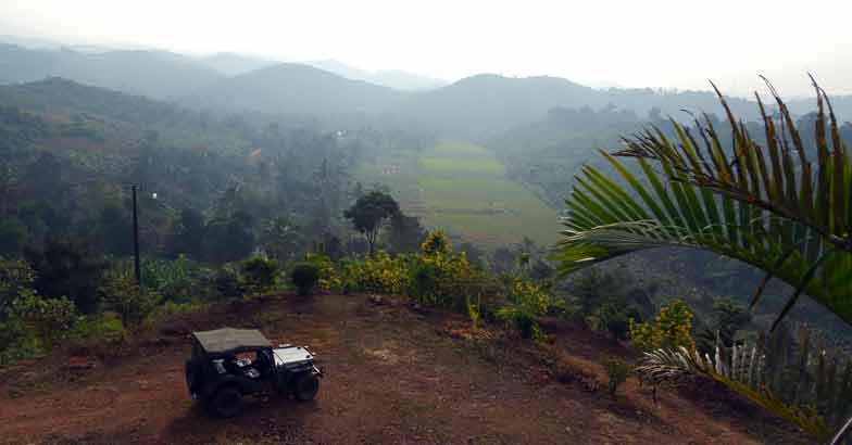 5Jeep-and-hills-