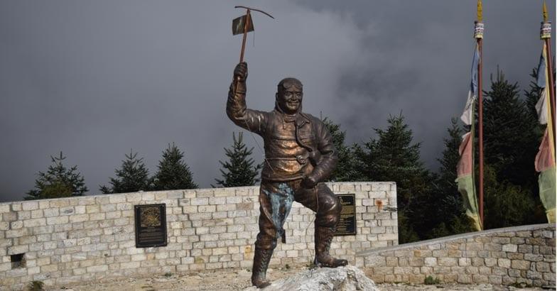 namchi-bazar-Tenzing-Norgey-statue