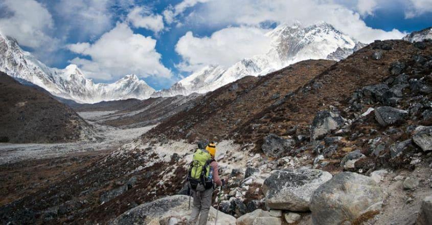 everest-Trekking-towards-Laboche