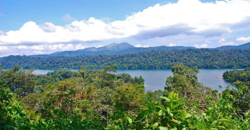 ഷോളയാർ-ജലാശയം