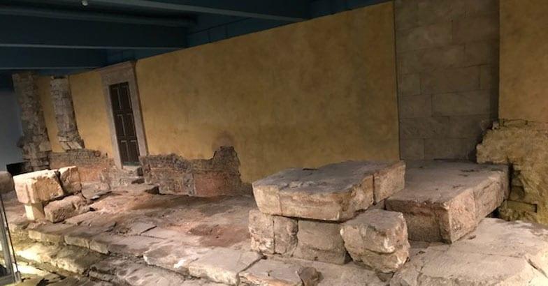 11-Bath-stones