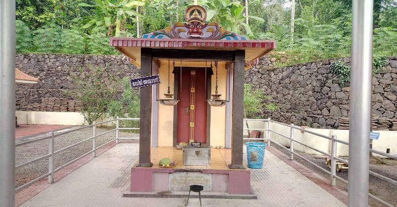 chirakadavu-temple