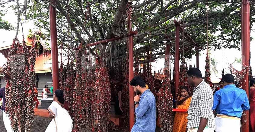 katil-mekathil-devi-temple-02