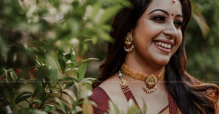 sowbhagya-venkitesh-arjun-sekhar-weddin3