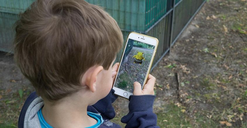 smartphone-use-linked-to-speech-delays-in-young-kids