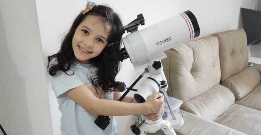 nicole-oliveira-eight-year-old-brazilian-girl-might-be-worlds-youngest-astronomer