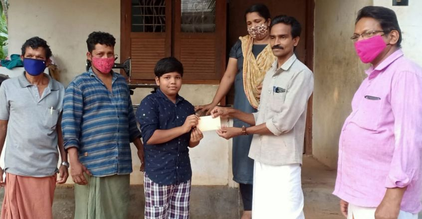 karthik-donates-to-chief-ministers-disaser-management-fund-for-covid-vaccine