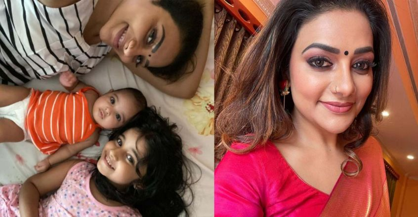 rimi-tomy-post-a-photo-with-kanmani-and-kuttimani