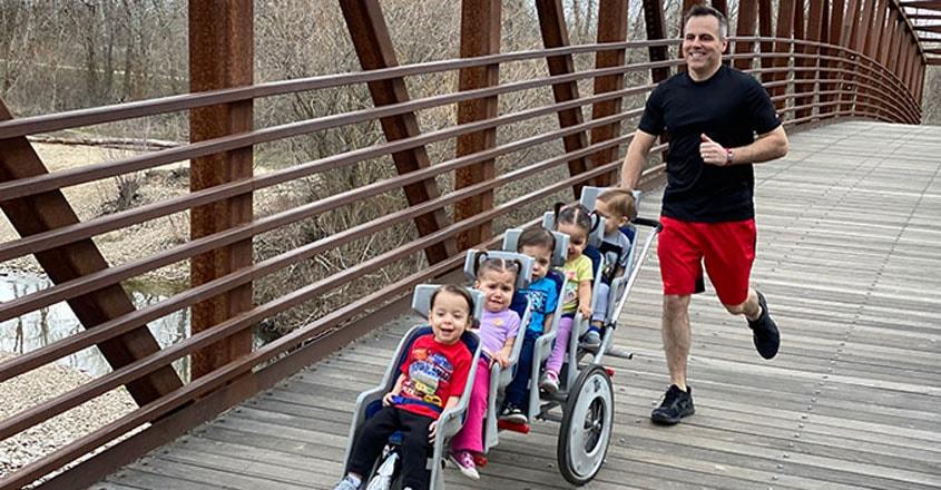 dad-chad-breaks-marathon-records-pushing-quintuplets