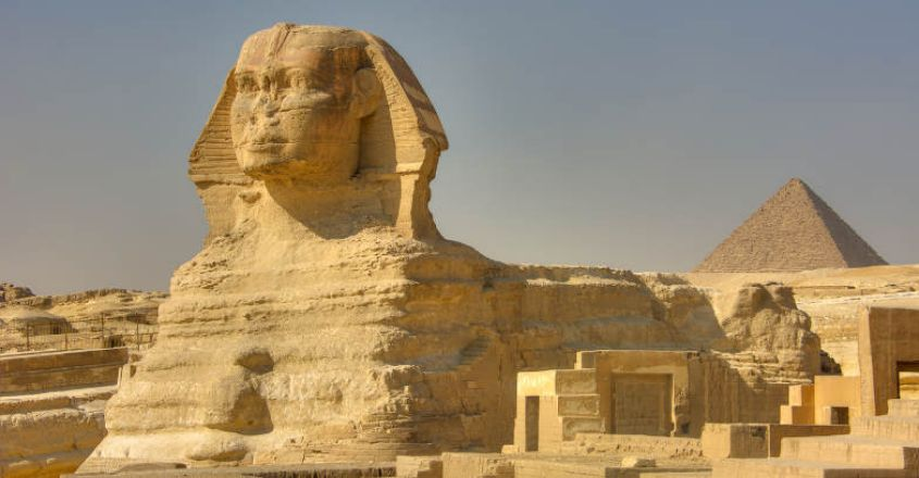 noseless-statues-from-egypt