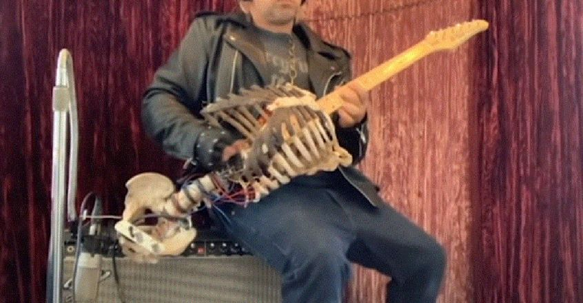 man-built-electric-guitar-from-his-uncles-skeleton