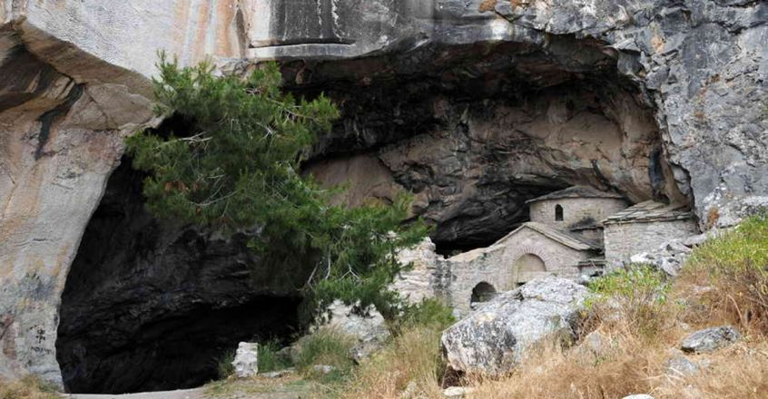 story-behind-greece-s-haunted-pentelicus-cave