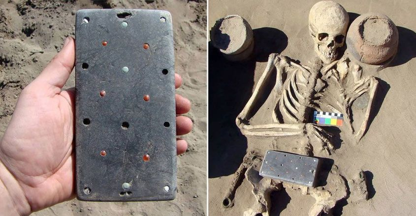 archaeologists-found-2100-year-old-iphone-with-ancient-skeleton-buried