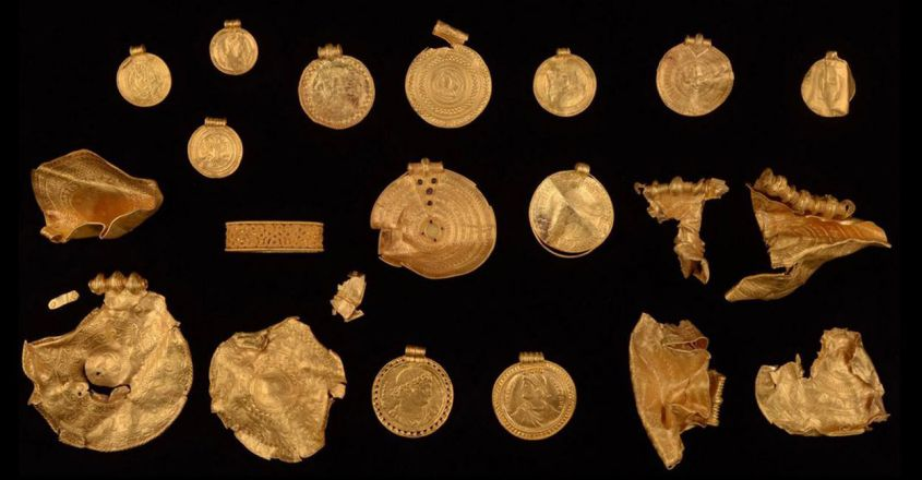 danish-man-with-metal-detector-finds-ancient-gold1