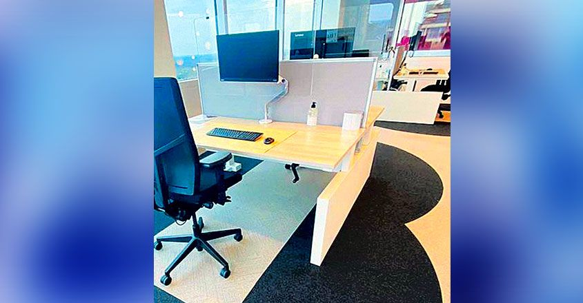 smart-office-space-work-station