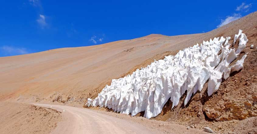 Penitentes ice formation