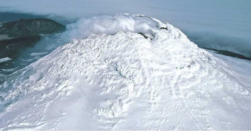 Rare Lake of Bubbling Lava Discovered on Remote Antarctic