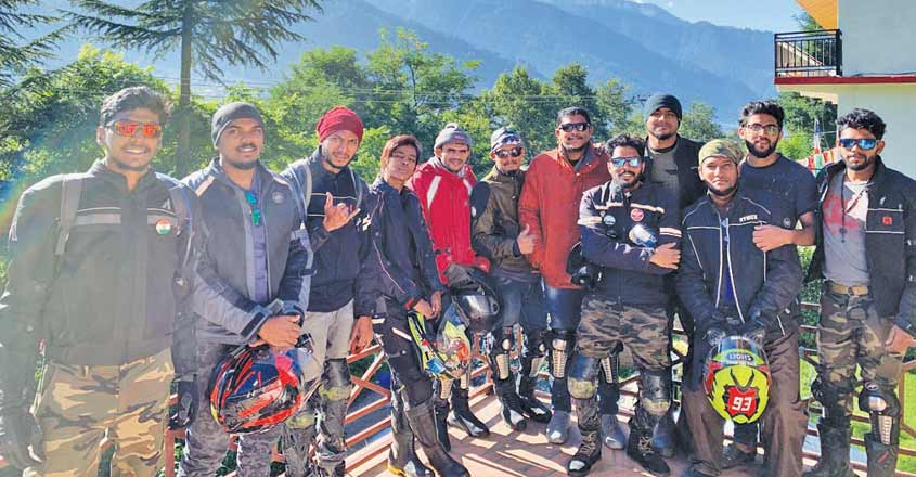 manali-with-riders