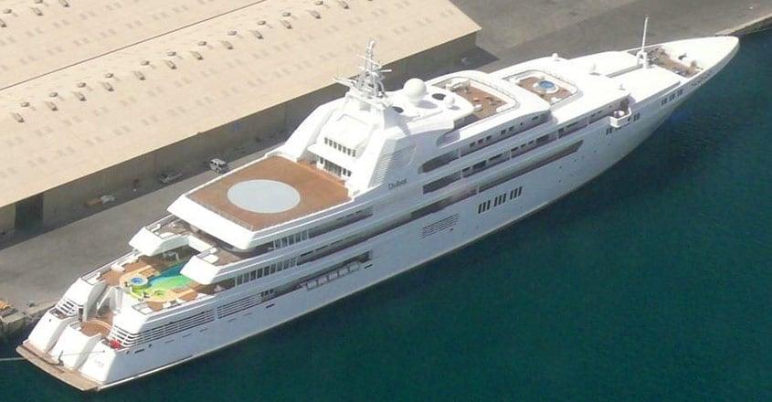 dubai-yacht