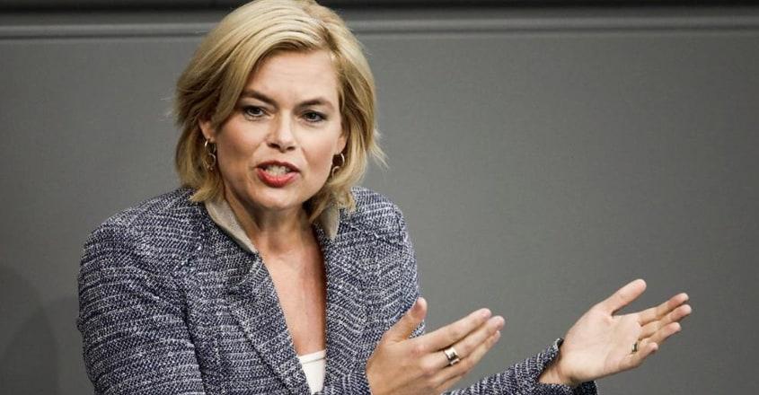 minister-julia