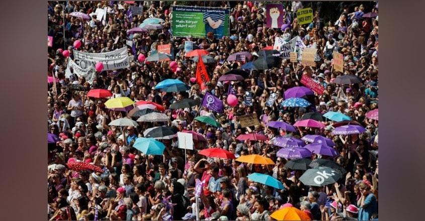 swiss-women-strike