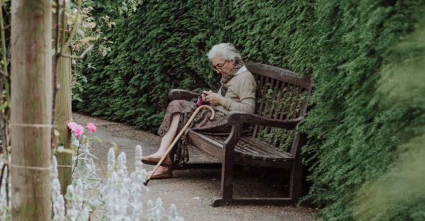 68365-olf-woman-andreea-popa-unsplash