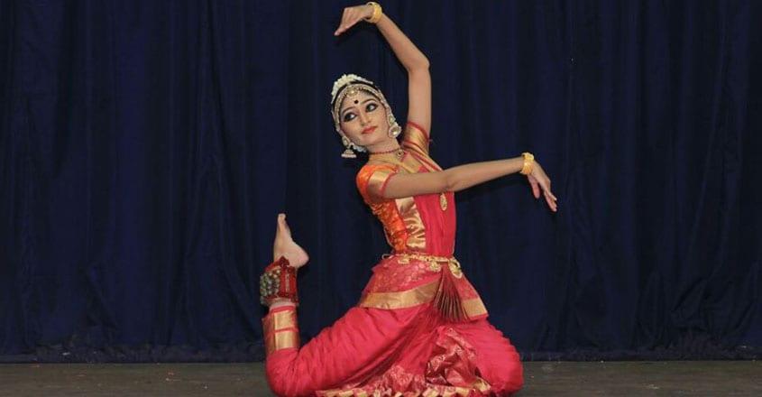 kalamandalam-bhavya-vijayan-stage-image