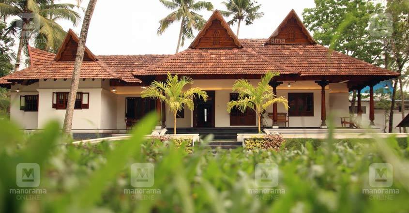 traditional-house-alappuzha-exterior