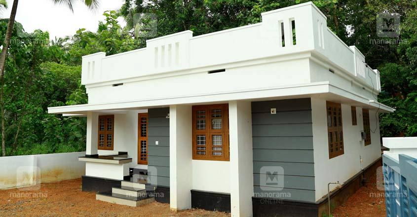 16-lakh-house-thrissur-exterior