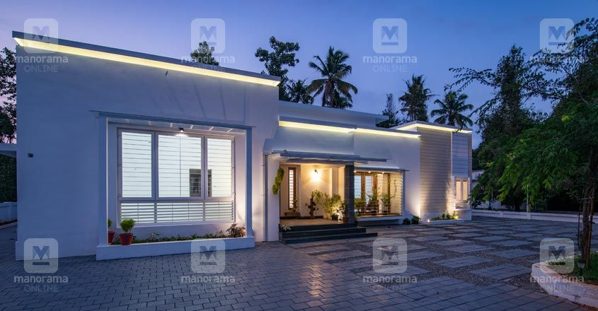 renovated-house-kothamangalam-night