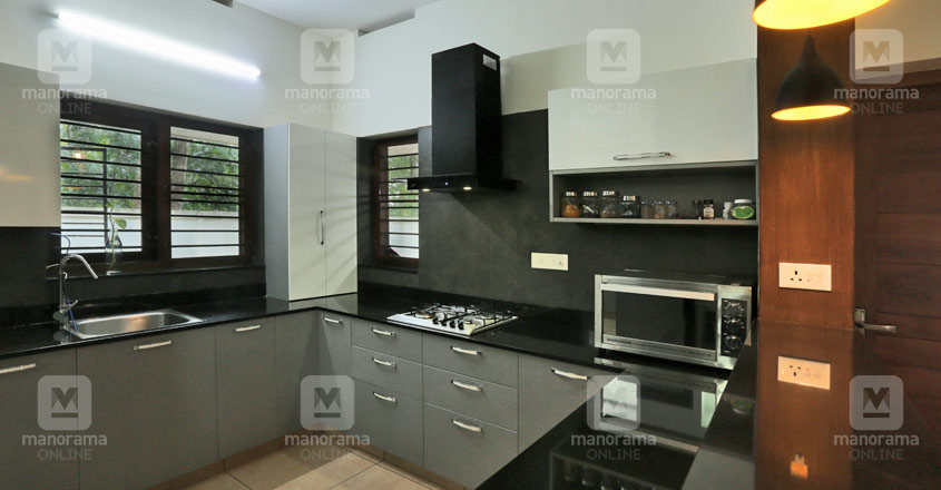 serene-house-trivandrum-kitchen