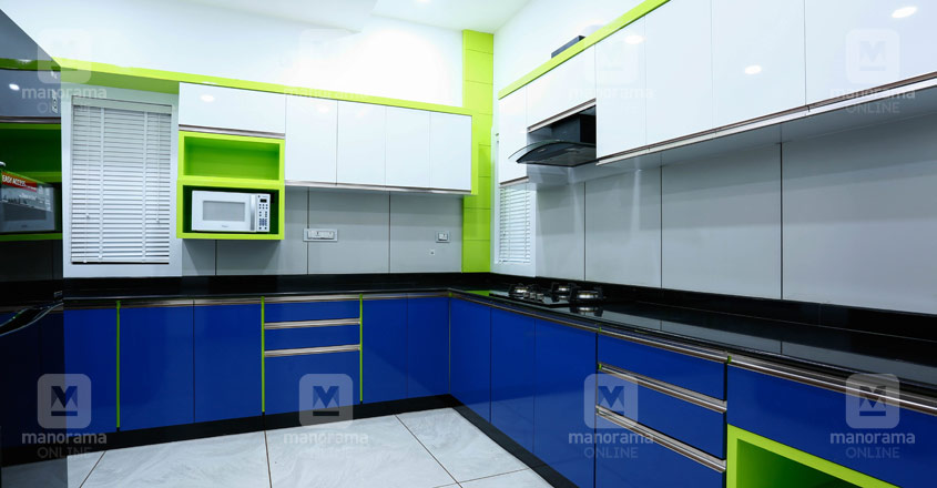 white-house-kannur-kitchen