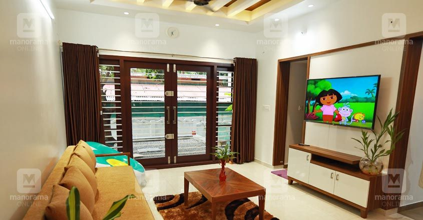 tropical-house-thrissur-living