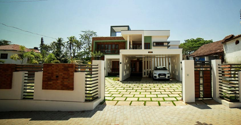 box-house-kannur-front-view